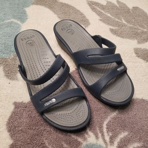 Crocs sandals navy blue & gray size 7